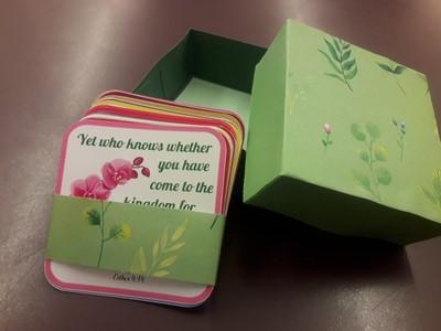 Kézműves igekártyás doboz nőknek zöld angol igékkel (Doboz)