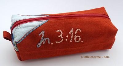 Szövet tolltartó Jn. 3:16 bordó (Szövet)