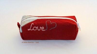 Szövet tolltartó Love bordó (Szövet)
