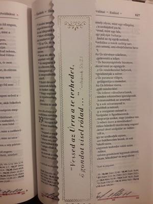 Aranyozott bőr könyvjelző Vessed az Úrra a te terhedet (fehér) (Bőr)