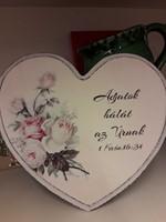 szív alakú falitábla rózsákkal Adjatok hálát az Úrnak (Fa)
