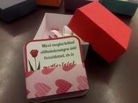 Kézműves igekártyás doboz nőknek piros-fehér