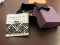 Kézműves igekártyás doboz férfiaknak lila-fekete angol igékkel