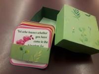 Kézműves igekártyás doboz nőknek zöld angol igékkel
