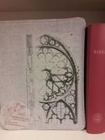 Szövet borító közepes revideált új fordítású Bibliára rózsaablakos (Szövet)