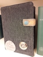 Szövet borító közepes revideált új fordítású Bibliára sötétszürke (Szövet)